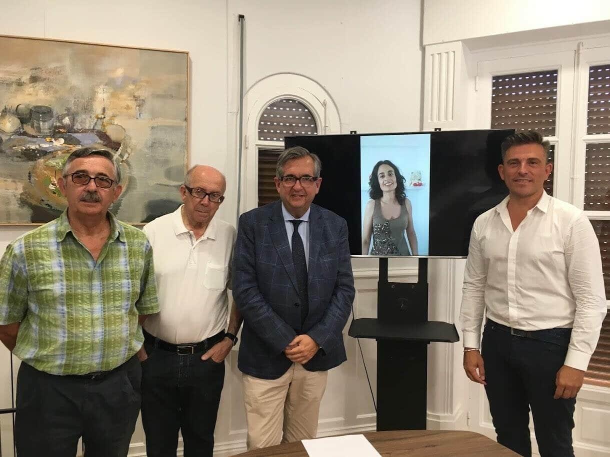 """Photo of Patricia Rivas Puerta y la asociación """"Amigos de la Catedral de Calahorra"""", nombrados """"Calagurritanos de honor 2018"""""""