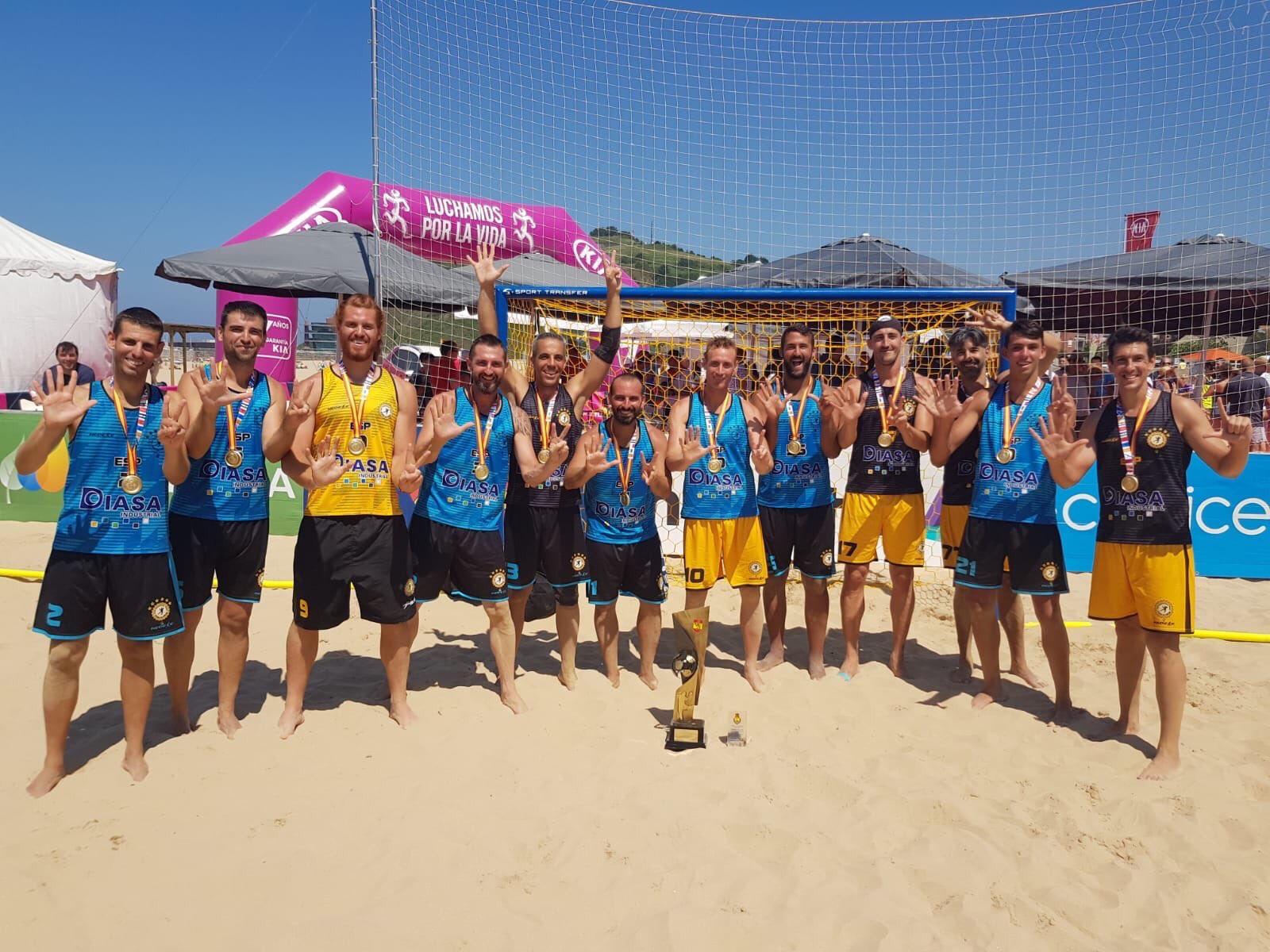 Photo of Una empresa calagurritana, Diasa industrial, patrocinadora del heptacampeón de España de balonmano playa.