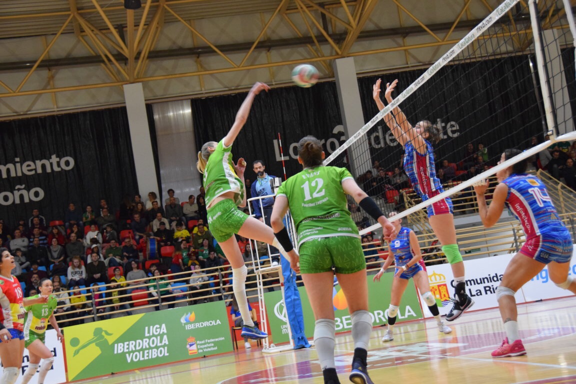 Photo of Derrota de OSSAC Haro, victoria de MayDeco Voleibol y nuevo líder en la liga Iberdrola