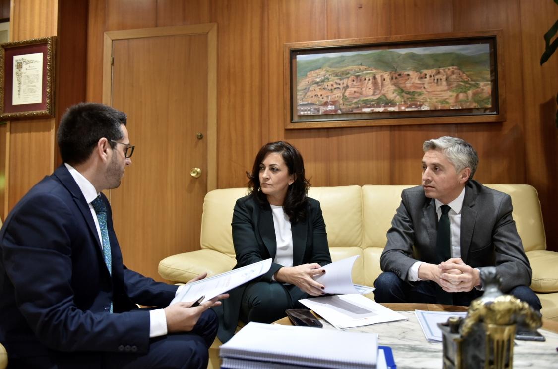 Photo of Los populares denuncian el desigual trato a la oposición en las reuniones de la presidenta del gobierno de La Rioja